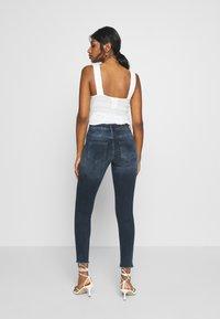 ONLY Petite - ONLBLUSH LIFE MID RAW - Jeans Skinny Fit - blue black denim - 2
