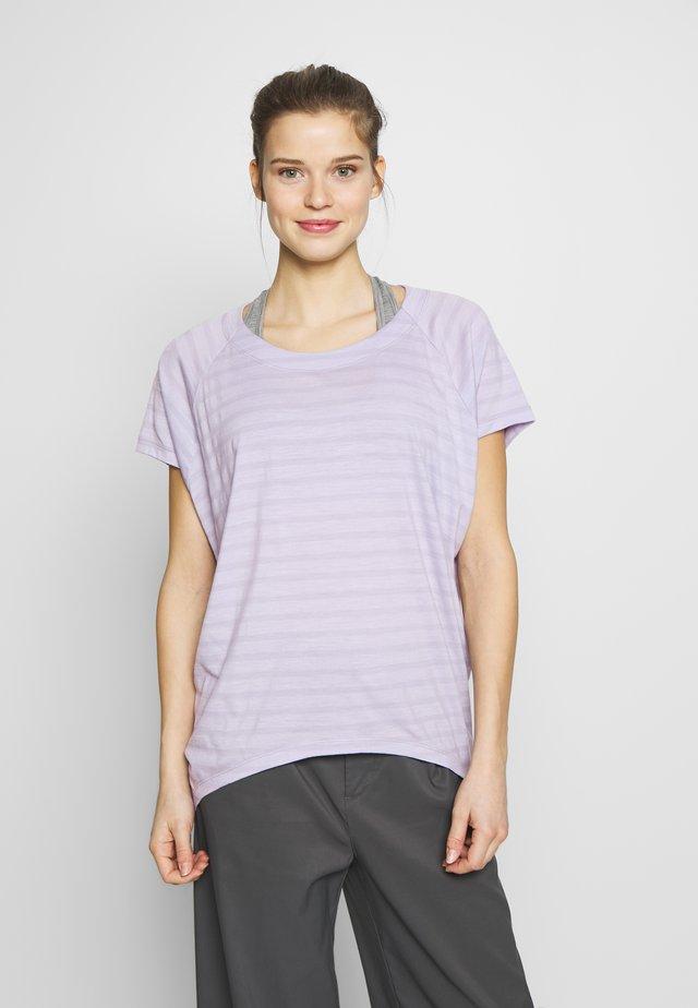 ELOWEN CREWE - T-shirts med print - mercury