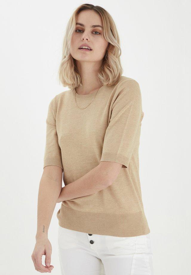 PZSARA - T-shirt con stampa - irish cream melange