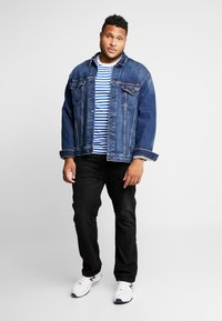Calvin Klein Jeans - 2 PACK SLIM FIT - Print T-shirt - bright white/mezarine blue - 0