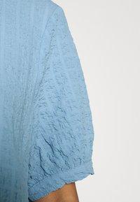 Monki - Kjole - blue light - 5