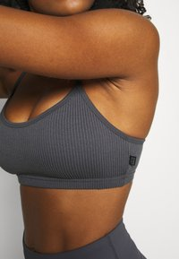 Cotton On Body - WORKOUT YOGA CROP - Light support sports bra - pewter grey - 5
