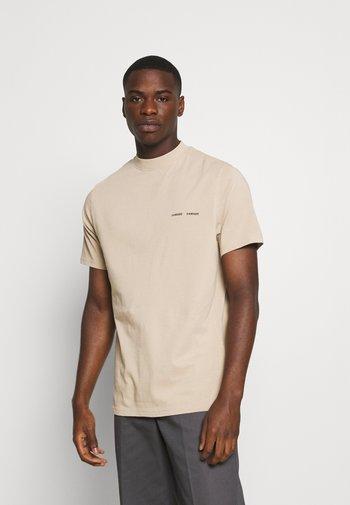 NORSBRO - T-shirt med print - humus
