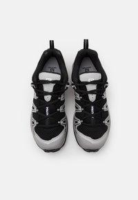Salomon - SHOES X ULTRA ADV UNISEX - Sneakers basse - black/silver metallic - 3