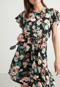 Tezenis - MIT VOLANTÄRMEL - Day dress - nero st.lake flowers - 3