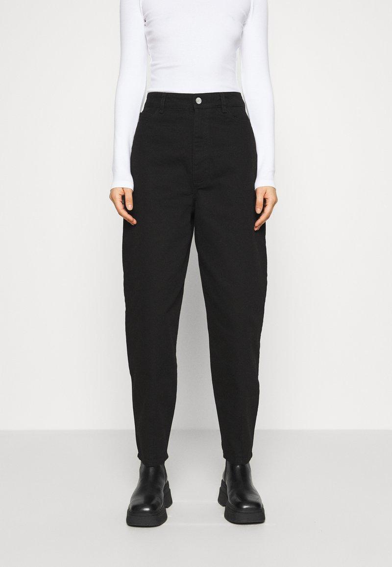 Gestuz - DEBORA - Relaxed fit jeans - black
