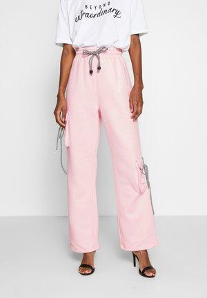 NEW SEASON POCKET DETAIL - Spodnie treningowe - pink