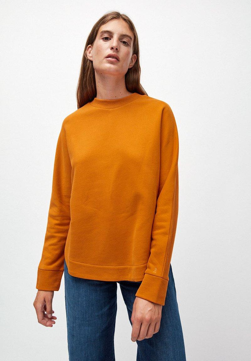 ARMEDANGELS - Sweatshirt - pumpkin