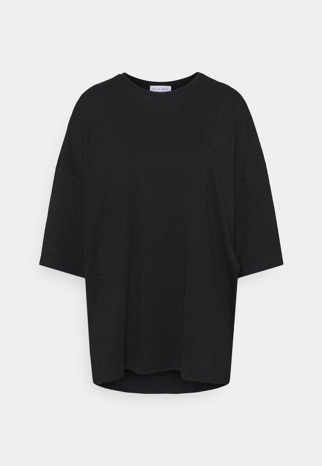 OVERSIZED CREW NECK  - T-shirts - black