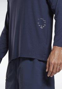 Reebok - ACTIVCHILL DREAMBLEND - Sports shirt - blue - 4