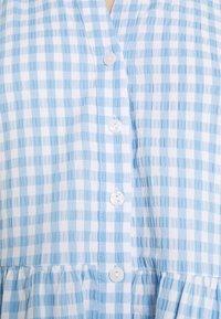 Forever New - GINA GINGHAM SMOCK DRESS - Shirt dress - pale blue - 4
