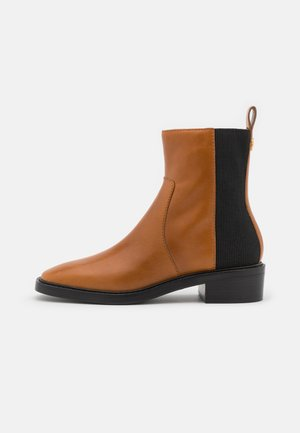 CHELSEA BOOT - Korte laarzen - bonnie brown/perfect black
