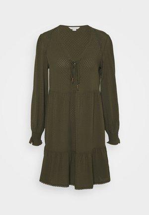 VESTI CORTO - Day dress - green