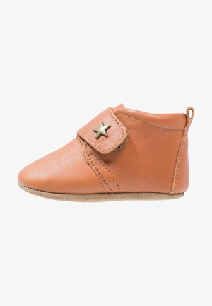 BABY STAR UNISEX - First shoes - cognac