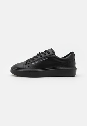 SIDE LOGO NEW CUPSOLE - Trainers - black