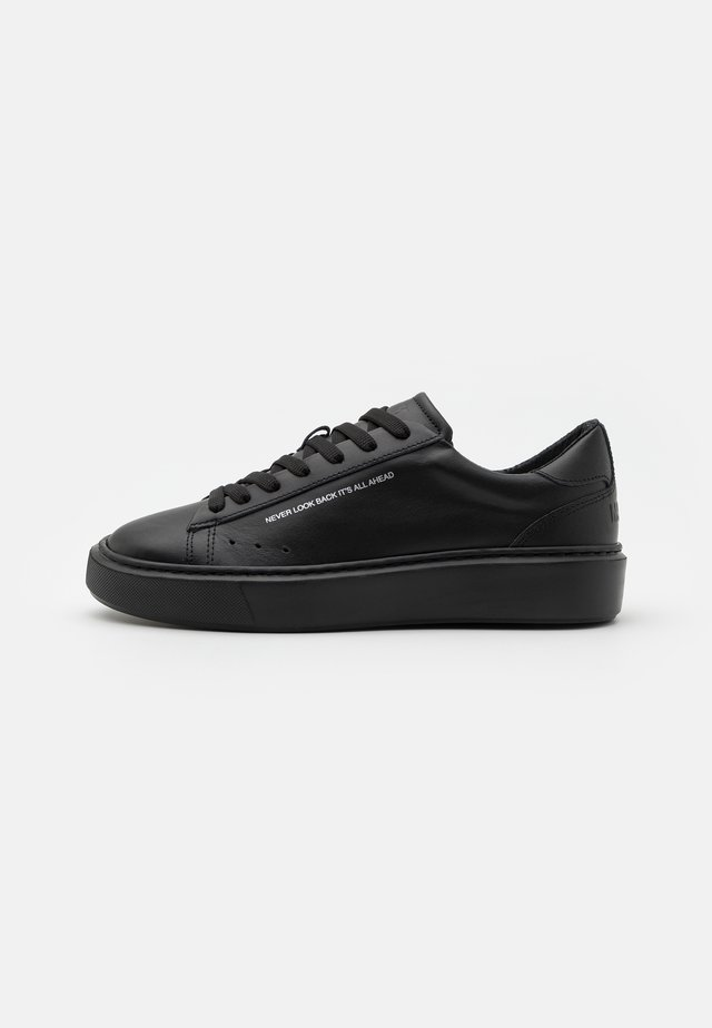 SIDE LOGO NEW CUPSOLE - Sneakers basse - black