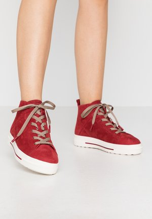 High-top trainers - scarlet
