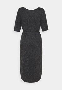 Selected Femme Petite - SLFIVY BEACH DRESS SOLID - Žerzejové šaty - black - 1