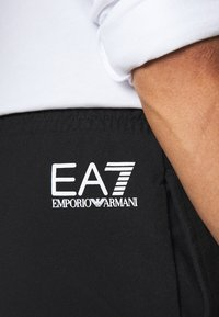 EA7 Emporio Armani - Shorts - black/white - 4