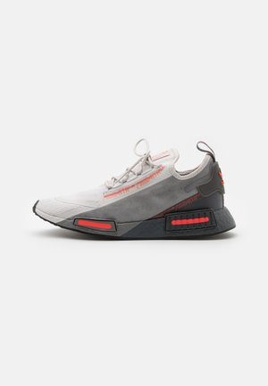 NMD_R1 SPEEDLINES UNISEX - Matalavartiset tennarit - grey one/grey three/grey five