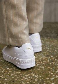 Puma - CALI SPORT CLEAN  - Sneakers laag - white - 2