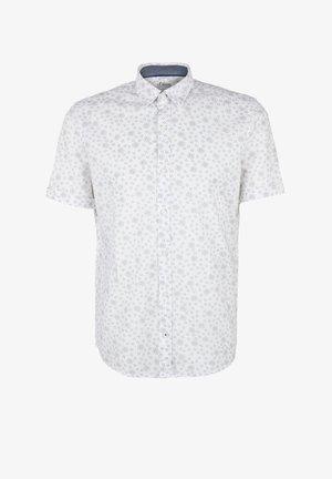 REGULAR FIT: GEMUSTERTES KURZARMHEMD - Overhemd - white aop