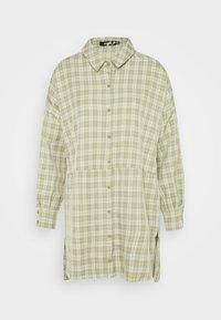 OVERSIZED DIP BACK SHIRT DRESS CHECK - Shirt dress - sage