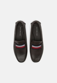 Tommy Hilfiger - ICONIC DRIVER - Mocassins - cocoa - 3