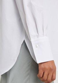Filippa K - FRANCI SHIRT - Skjorte - frosty white - 4