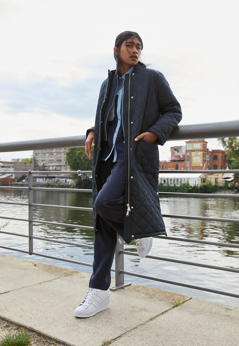 adidas Originals - SUPERSTAR ELLURE  - Høye joggesko - footwear white/gold metallic/core black