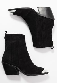 Zign - Classic ankle boots - black - 3