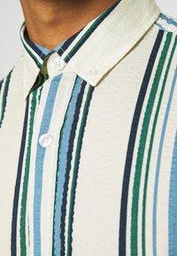 REVOLUTION - STRIPE - Shirt - blue/off-white - 6