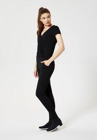 Talence - T-shirt con stampa - noir - 1