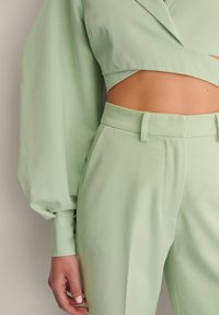 NA-KD - STRAIGHT SUIT PANTS - Trousers - dusty green - 4