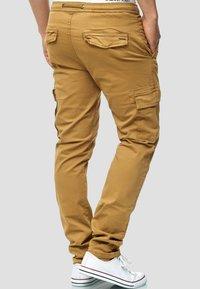 INDICODE JEANS - BROADWICK - Cargo trousers - camel - 2