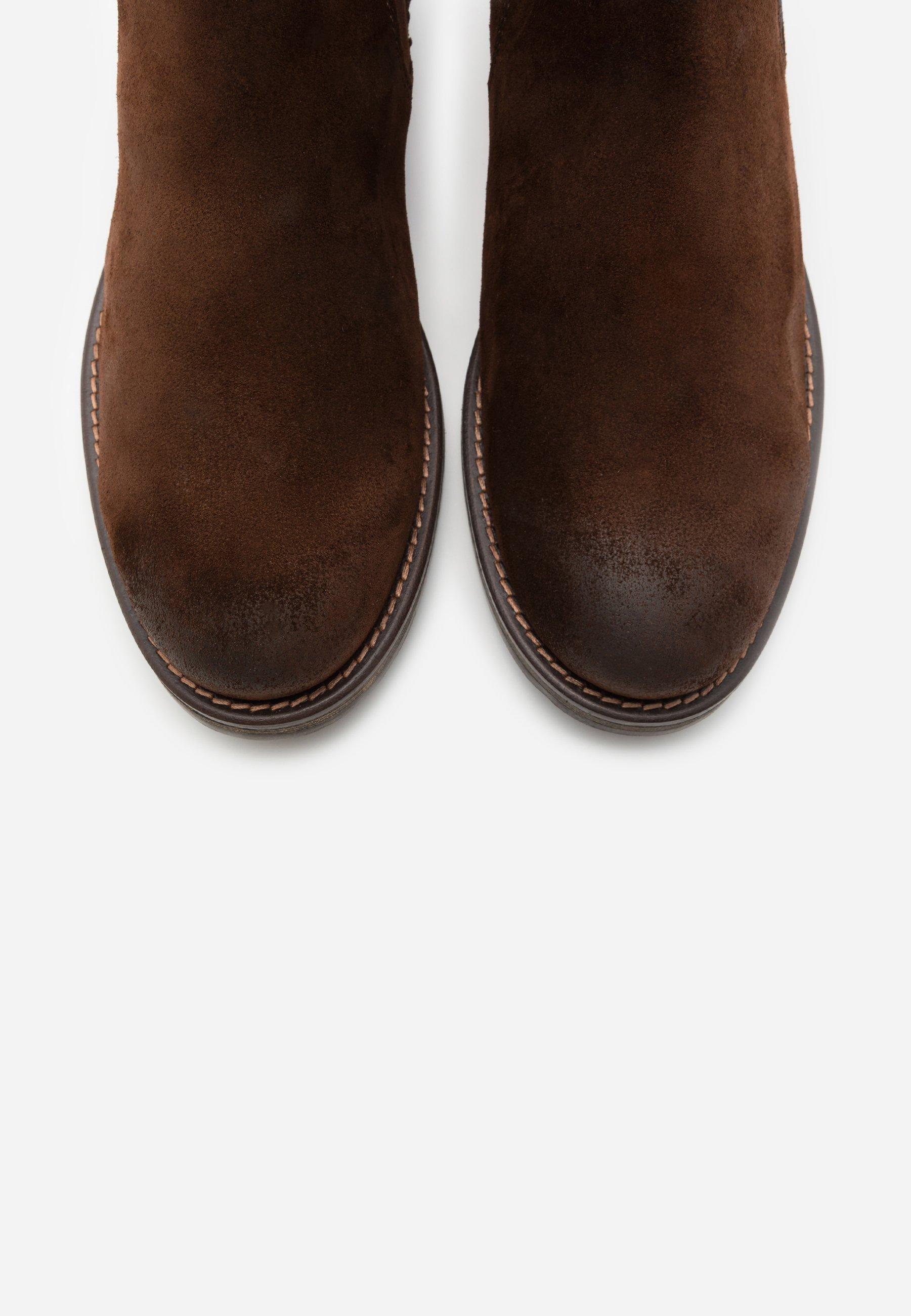 CHELSEA BOOT Korte laarzen dark brown