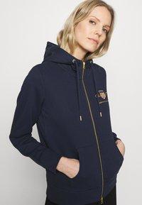 GANT - ARCHIVE SHIELD FULL ZIP HOODIE - Zip-up hoodie - evening blue - 3