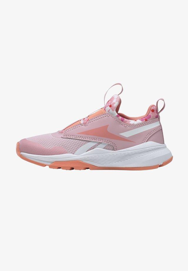 REEBOK XT SPRINTER SLIP-ON SHOES - Chaussures de running stables - pink