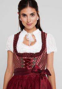 Krüger Dirndl - Oktoberfestklær - bordeaux - 4