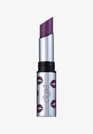 CREMÉ SHINE LIPSTICK - Läppstift - heartbreaker-deep purple