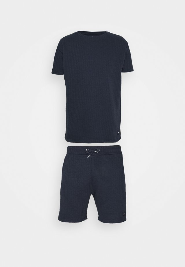 AIM TWINSET - Shorts - navy