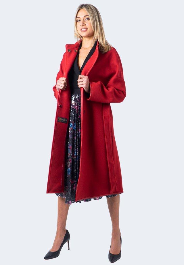 SOGNARE - Cappotto classico - red