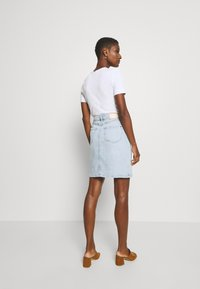 Tommy Hilfiger - ROME STRAIGHT SKIRT LOTA - Pencil skirt - light-blue denim - 2