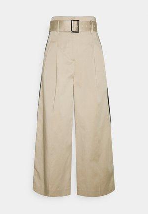 PAPERBAG PANTS - Kalhoty - hummus
