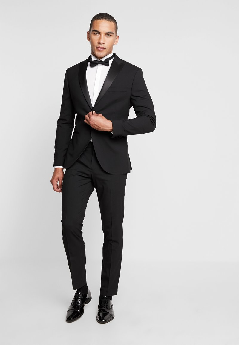 Isaac Dewhirst - BASIC TUX - Costume - black