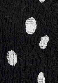 Never Fully Dressed - MINNIE JOJO DRESS - Cocktailkjole - black - 2