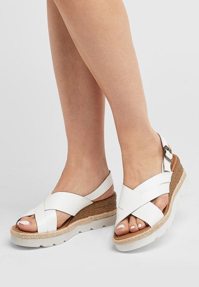 CROSS-OVER  - Espadrilles - white