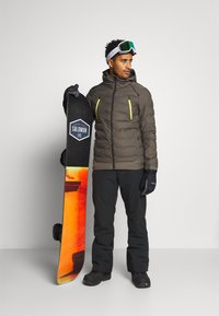 Brunotti - SAXON MENS SNOWJACKET - Snowboardová bunda - pine grey - 1