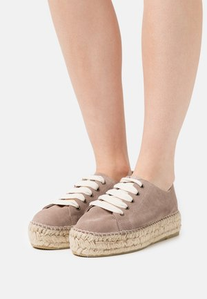 BASKET  - Casual lace-ups - sable