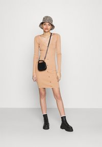 Even&Odd - Pouzdrové šaty - rose - 1